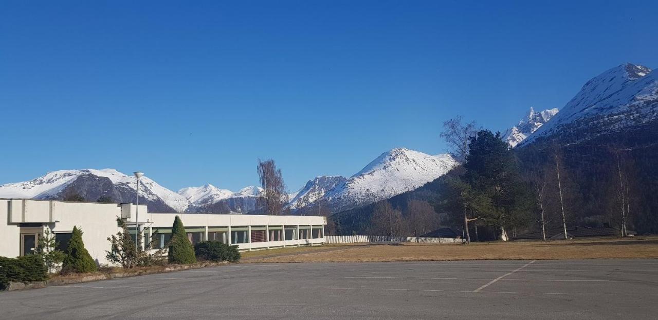 Isfjorden Motell